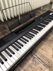 Verkaufe ein Keyboard der Marke