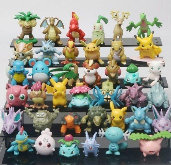 Set aus 24 Pokemon Figuren