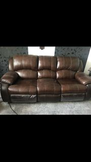 Ledersofa mit Relaxfunktion