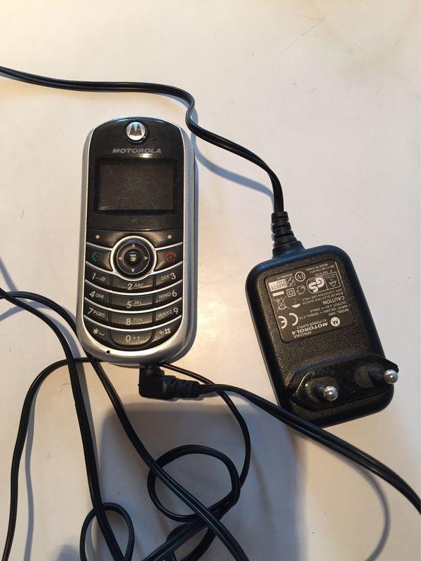 Motorola C139 mit Ladekabel