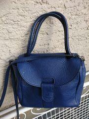 Handtaschen und Rücksack