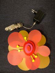 Nachttisch Kinderlampe in Blumenoptik von