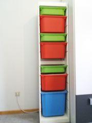 Regal Trofast mit Aufbewahrungsboxen