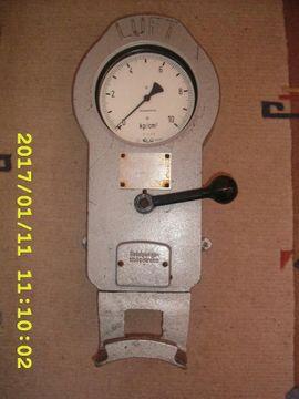 DDR Luftprüfer Reifendruckmesser Luftdruckprüfer Oldtimer Minol Tankstelle Zubehör