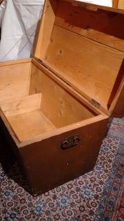 Handwerkskoffer aus Holz sehr guter