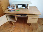 Schreibtisch abzugeben