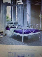 Himmelbett Metallbett Mädchenzimmer weiß