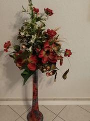 Vase mit Kunstblume von Joska