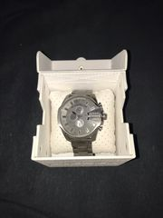 Diesel Uhr grau