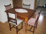 Antiker Eßtisch mit Stühle