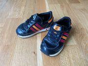Adidas Turnschuhe Baby Größe 22