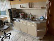 Diverse Küchenschränke samt Herd und