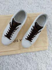 Louis Vuitton Sneaker 42