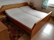 Doppelbett aus Massivholz