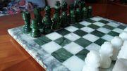 Schachspiel aus Alabaster