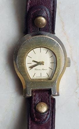Vintage Damen Armbanduhr, Etienne Aigner, Gehäuse Hufeinsen Form, Uhrwerk: Handaufzug