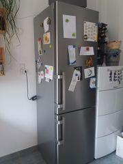 Liebherr Kühl-Gefrierschrank silber stahl 1