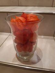 Glas mit Herbstdeko