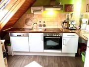 Schöne Küchenzeile weiß