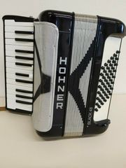Akkordeon Hohner 48 Black Student