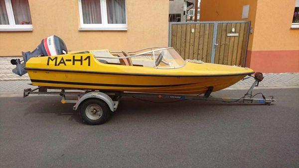 Vega MotorbootSportboot Gleiter mit Trailer