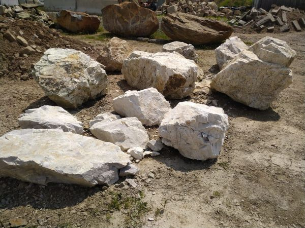 Quarz Findlinge Granit Basalt Sandstein