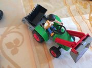 Playmobil Traktor und playmobilbäuerin
