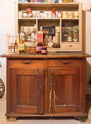 Schrank und Küchenbuffet-Aufsatz