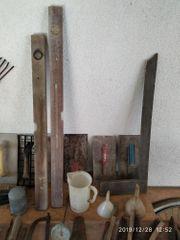 viele teils ältere Werkzeuge