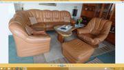 Leder-Couchgarnitur mit Sessel und Hocker