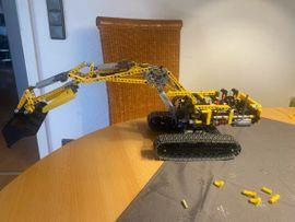 Spielzeug: Lego, Playmobil - 8043 Motorisierter Raupenbagger