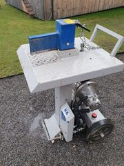 Holzspaltmaschine