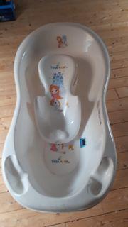 Badewanne mit Gestell