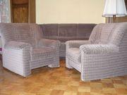 3-sitziges Sofa 2 Sessel mit