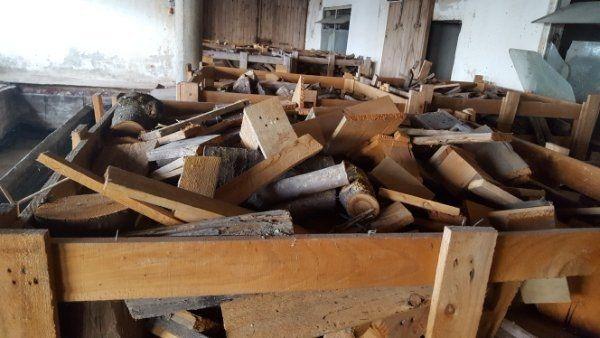 Abbruchholz als Brennholz