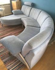 Feines großes Sofa
