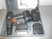 Akkuschrauber mit 2 Akkus Werkzeug