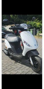 Roller Piaggio Zip50 C25