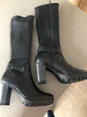 Stiefel NEU Farbe schwarz Größe