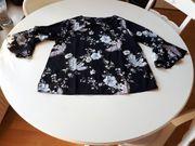Schwarze Damenbluse M mit floralem