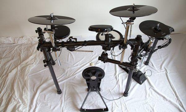 E-Drumset Millenium MPS-500 Elektronisches Schlagzeug