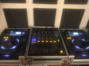 Pioneer CDJ-2000-Decks und Pioneer DJM-800