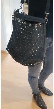 Handtasche - Tasche - Umhängetasche - schwarz