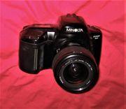 MINOLTA analog-Kamera DYNAX 5xi mit