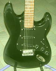 Verkaufe Stratocaster E-Gitarren in schwarz