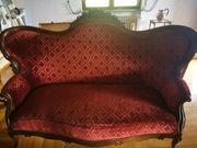 Couch und Stuhl kultig