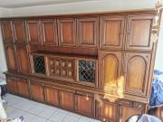 Antiker Wohnzimmer Schrank