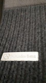 Original Mercedes Fußmatten vermutlich für
