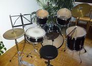 Schlagzeug komplett und gut erhalten