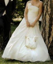 Hochzeitskleid von Lohrengel Größe 36